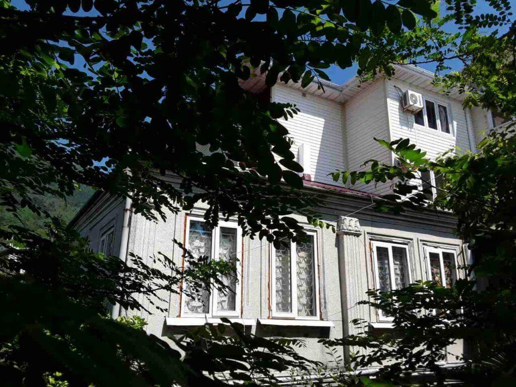 Абхазия частный сектор Гагра гостевой дом на берегу моря отдых без посредников
